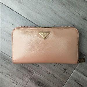 Prada Saffiano vernic wallet